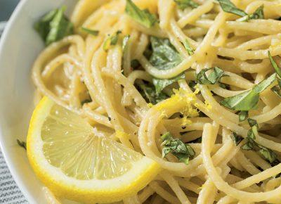 Spaghetti al profumo di limone e basilico
